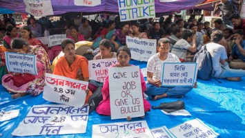 24th day Hunger strike by School Service Commission (SSC) qualified candidates as they demand of immediate joining in state schools, where the selection test happened in 2017, result came out in March 2018 and still their names are in the waiting list. Till now no response from the state government.  (Photo by Indranil Aditya/NurPhoto via Getty Images)