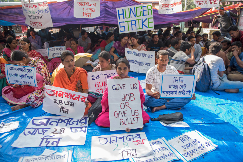 Indian students protest joblessness during a hunger strike in Kolkata on March 23. (INDRANIL ADITYA/NURPHOTO/GETTY IMAGES )
